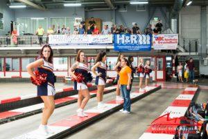 Tribuene und Cheerleader